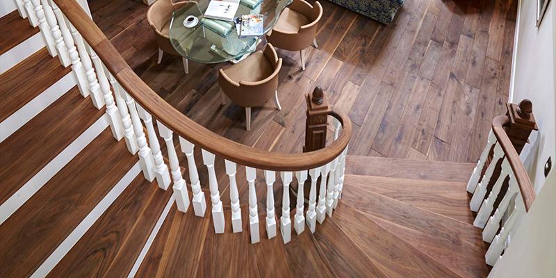 邸宅をデザインする輸入R階段・螺旋階段